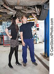 spiegando, meccanico automobile, riparazione