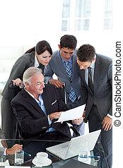 squadra, suo, direttore, documento, esposizione