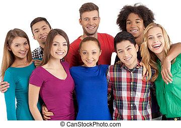 standing, noi, gruppo, persone, macchina fotografica, isolato, giovane, allegro, mentre, altro, multi-etnico, ciascuno, chiudere, sorridente, bianco, team!