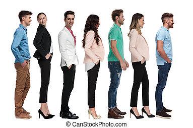 standing, persone, linea, differente, giovane