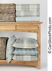 stile, spiaggia, cesti, tiri, blu, vimine, tavola legno, cuscini, credenza, colorato, bianco