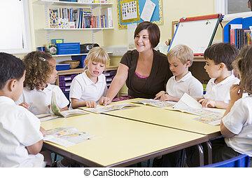 studenti, lettura, insegnante codice categoria