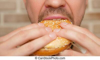 su., hamburger, bocca, chiudere, spento, pezzo, morsi, uomo