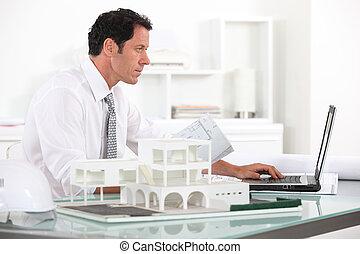 suo, architetto, lavorando ufficio