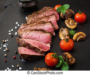 supporto raro, vegetables., manzo, succoso, bistecca, cotto ferri, spezie
