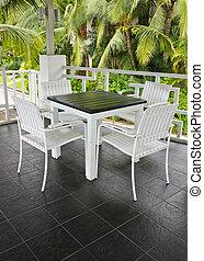 tavola, sedia, bianco
