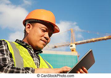 tavoletta, digitale, costruzione, usando, lavoratore