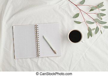 tazza, quaderno, aperto, nero, flatlay, vuoto, caffè, pianta, penna, pagine