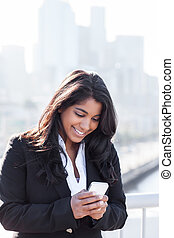 telefono, indiano, texting, donna d'affari