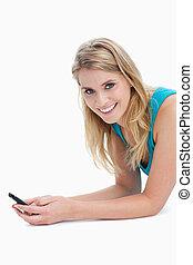 telefono, mobile, presa a terra, sorridente, macchina fotografica, donna