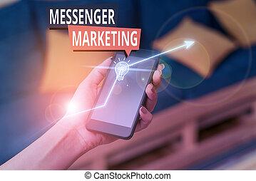 testo, marketing, messaggero, usando, clienti, messaging, scrittura, app., atto, concetto, significato, tuo, marketing.