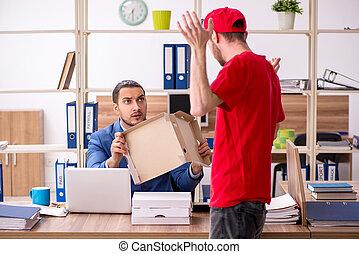 trasmettere, distribuire, uomo, giovane, pizza, ufficio