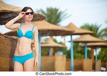 tropicale, ricorso, ragazza, occhiali da sole