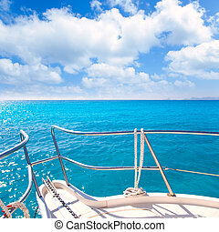turchese, idilliaco, tropicale, y, spiaggia, ancorare, barca