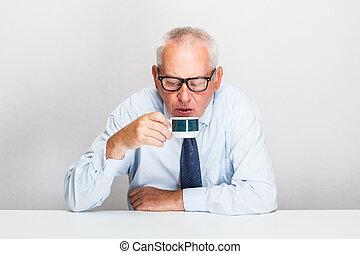 uomo affari, anziano