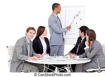 uomo affari, vendite, segnalazione, figure, sicuro sé