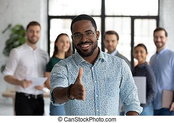 vendite, introduces, estensione, direttore, fuori, cliente, africano, mano, se stesso