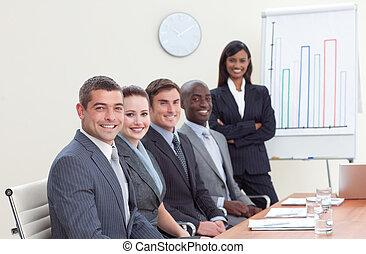 vendite, lei, colleghi, figure, donna d'affari, segnalazione