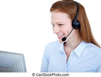 vendite, raggiante, lavorativo, rappresentante, donna, computer