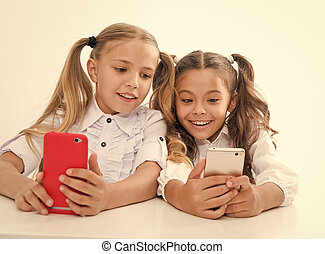vivente, noi, età, digitale, -, congegni, education., childgren, linea, smartphones., educazione, bambini, faces., felice
